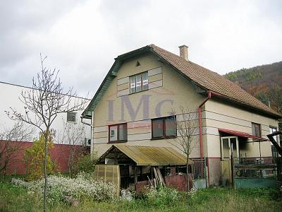 Exkluzívne: Predám rodinný dom v Ostrom Grúni