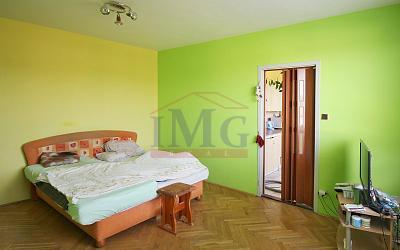 Predám 1 izbový byt v pôvodnom stave v Tlmačoch pri Leviciach.