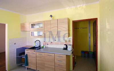 Predám 1 izbový byt v Tlmačoch pri Leviciach.
