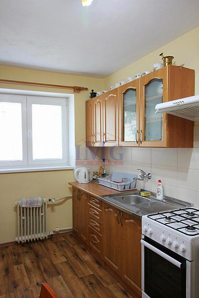 Predám priestranný 3i byt v Žiari nad Hronom v tichej časti mesta