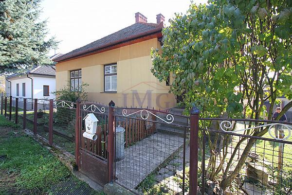 Predám  rodinný dom v Žarnovici v širšom centre mesta