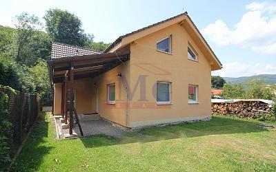 Predám slnečné rodinné domy v Bzenici pri Žiari nad Hronom