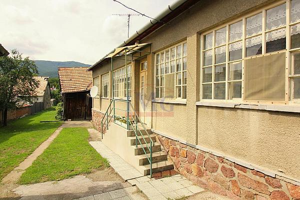 Predám vidiecky rodinný dom s letnou kuchynkou v Tekovskej Breznici