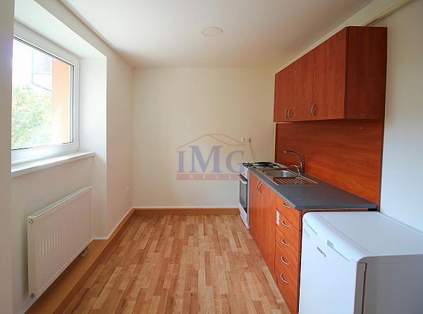 Predám zrekonštruovaný 2i byt v širšom centre Banskej Bystrice