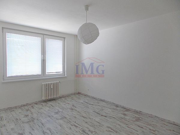 Zrekonštruovaný 2,5-izbový byt v Žiari nad Hronom